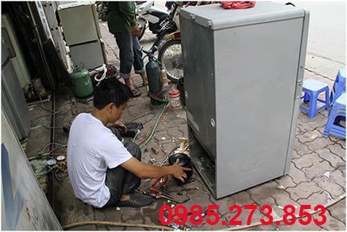 Sửa tủ lạnh bị hỏng mạch điều khiển