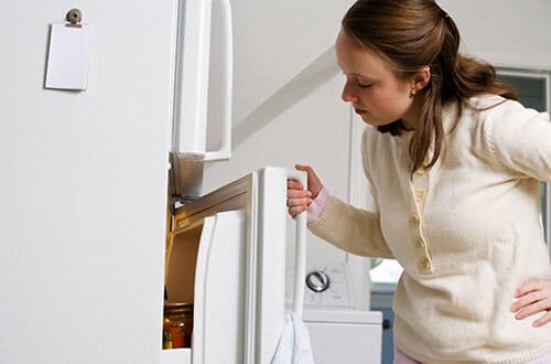 Tủ lạnh bị hở