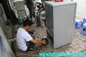 nạp gas tủ lạnh hết bao nhiêu tiền